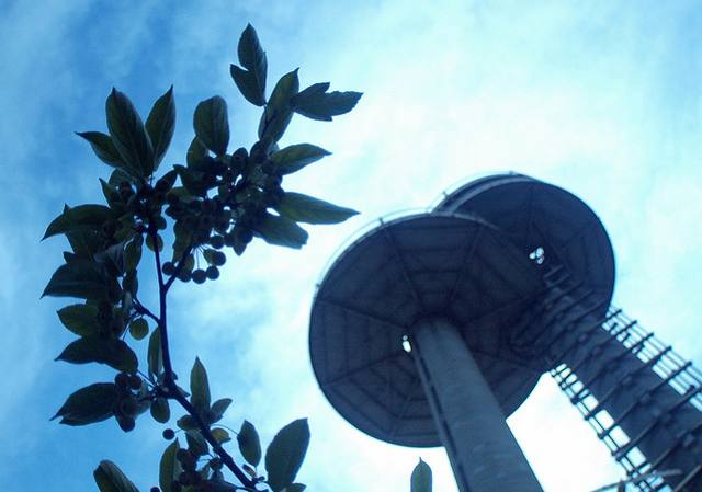 Can Obama Save The New York State Pavilion?