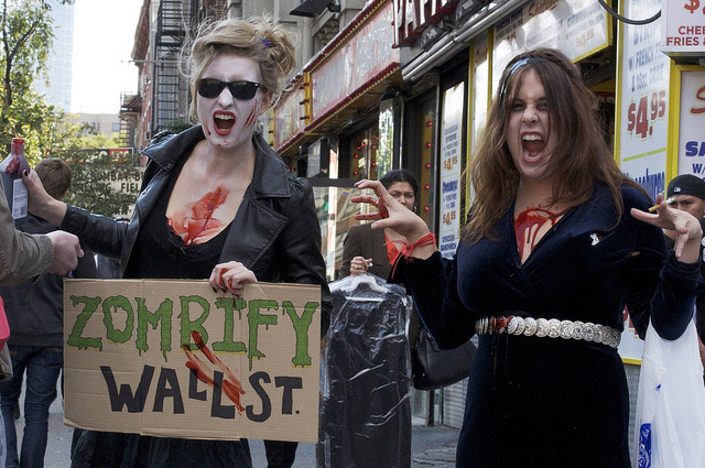 Photos: Politics Gets Bloody At Zombiecon 2011