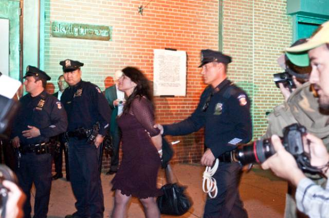 Naomi Wolf Discusses Arrest, Says Cops Are Full Of It