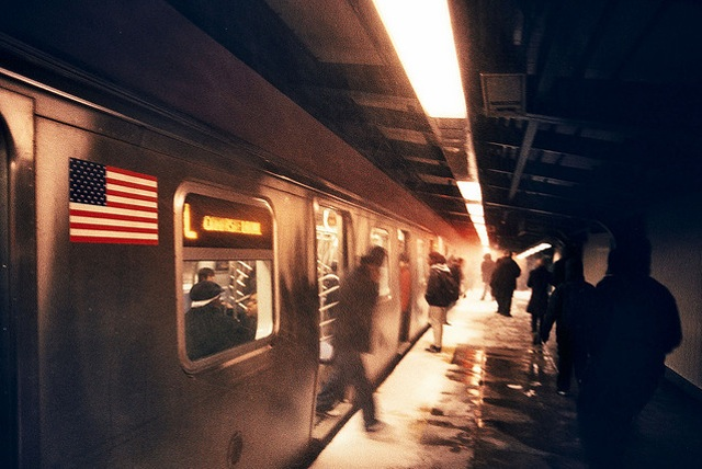 [Update] L Train Partially Suspended After Man Jumps Onto Subway Tracks