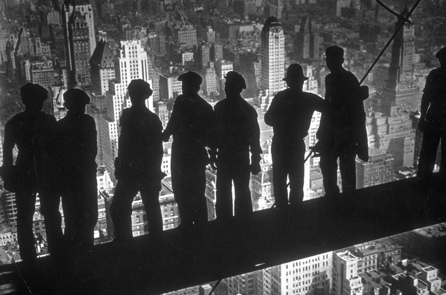 14 Nerve-Wracking Photos From High Atop Old School NYC Skyscrapers
