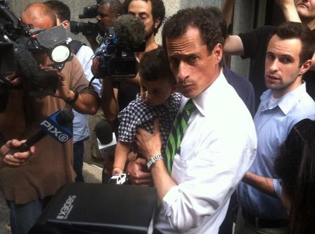 Photos: Weiner, Squadron, Stringer Took Their Kids To Vote Today