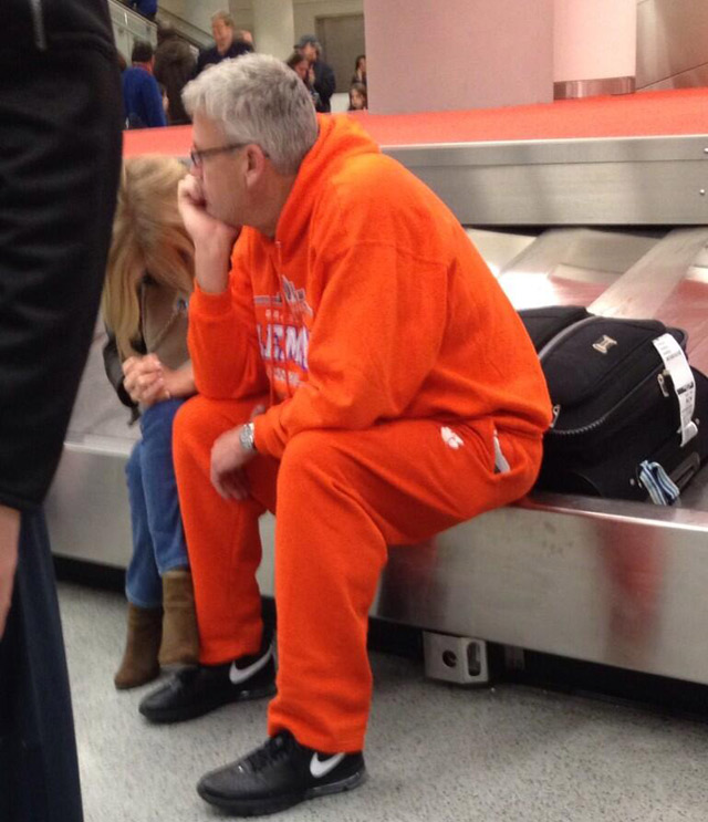 Photo: Rex Ryan Stranded At JFK Airport In Blinding Orange Sweatsuit