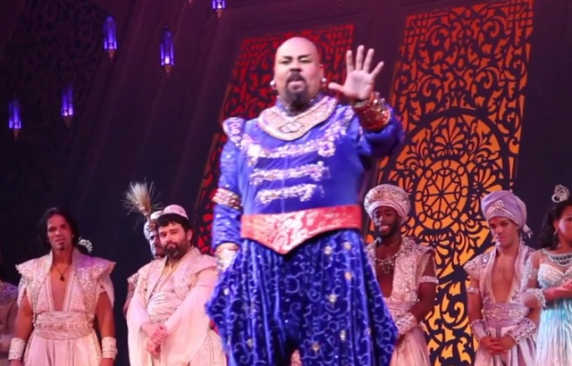 """Broadway Aladdin Cast Pays Tribute To Robin Williams With """"Friend Like Me"""" Singalong"""