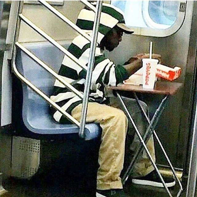 Photo: Gentleman Demonstrates Proper Subway Food Etiquette