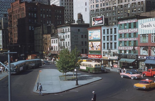 Beautiful Color Photos Capture NYC In 1960