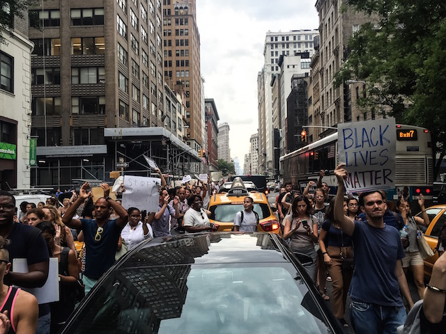 Photos, Videos: Protesters Stop Manhattan Traffic In Anti-Police Shootings March