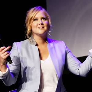 Amy Schumer Cancels Event After Kurt Metzger Uproar & Announces TV Show Hiatus