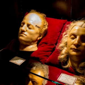 Get Cocktails & An Anatomy Lesson At The Alamo Drafthouse Bar 'House Of Wax'