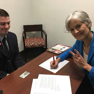Jill Stein Officially Files For Recount In Wisconsin And Clinton Campaign Signs On To Effort