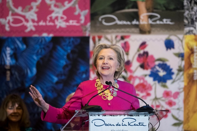 Hillary Clinton Talks About Being 'Proud And Grateful' Of Immigrant Oscar De La Renta
