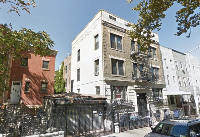 1 Teen Dead, Another Injured After Falling From Bushwick Building