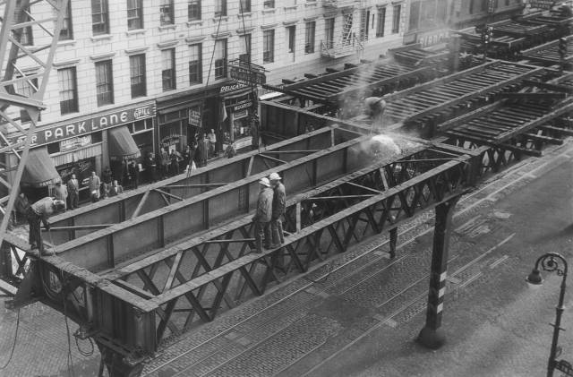 Photos: In The 1950s, A 17-Year-Old Documented The Dismantling Of The Third Ave El