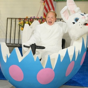 Watch Melissa McCarthy As White House Easter Bunny Sean Spicer On SNL