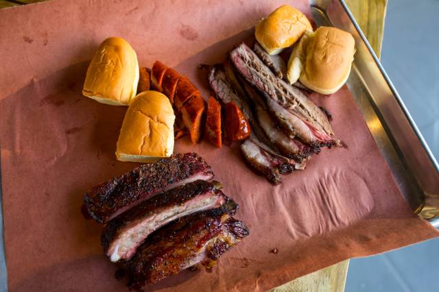 Fat Pig Brings Neighborly Vibes & Good Barbecue To Upper Manhattan