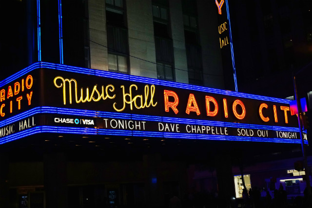 Dave Chappelle Performing 10 Star-Studded Shows At Radio City Music Hall In August