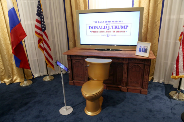 The Daily Show Honors 'The King Of Twitter' At Donald J. Trump Presidential Twitter Library