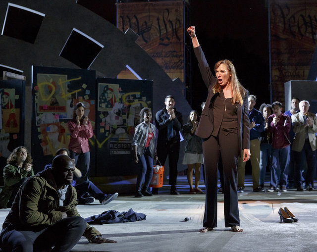 Public Theater Insists Trump-esque 'Julius Caesar' Production Has Nonviolent Message