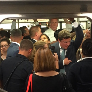 De Blasio Urges MTA To Stop Wasting Straphangers' Time & Money