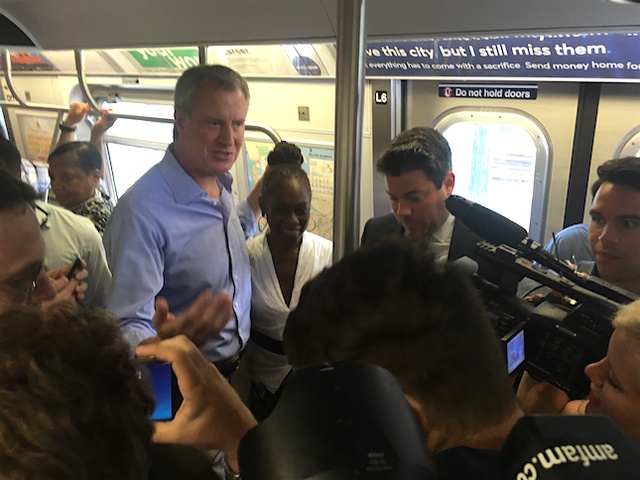 De Blasio Rides F Train To Deliver Message To Cuomo: Fix The Subways
