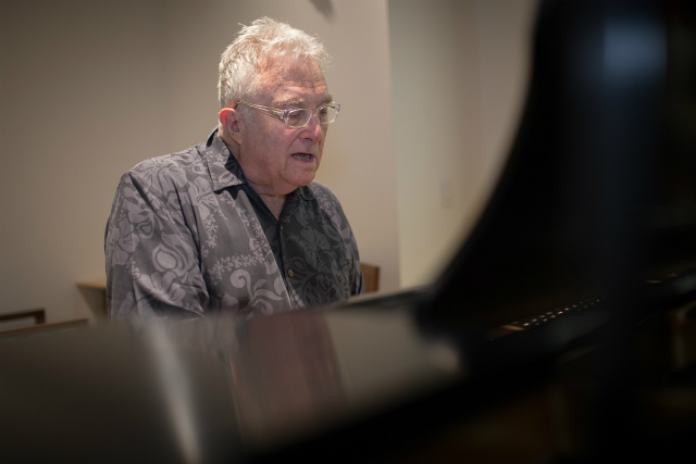 Randy Newman Talks Trump, Atheism, Kanye And More