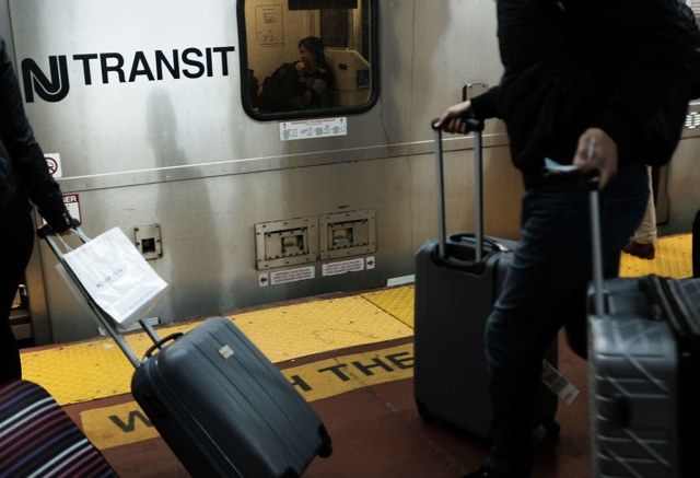 NJ Transit Train With No Passengers Derails At Penn Station