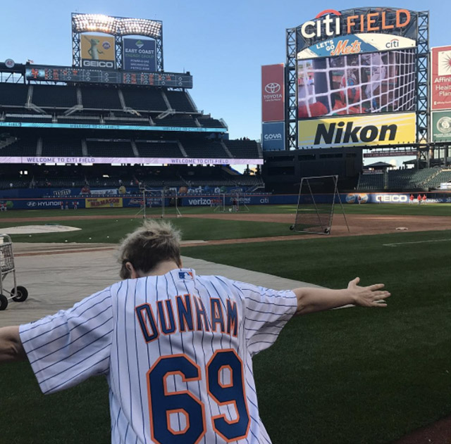 Disgraced Ex-Met Lenny Dykstra Jumps All Over Lena Dunham's 'Horny For Baseball Players' Tweet
