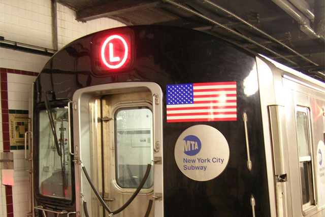 L Train Robbers Beat Woman Trying To Get Her Wallet Back