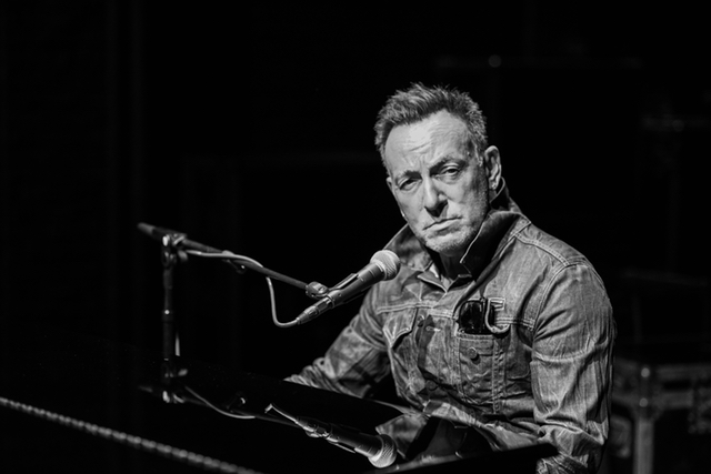 Review: Bruce Springsteen Invites You Into His Memories At Intimate Broadway Residency