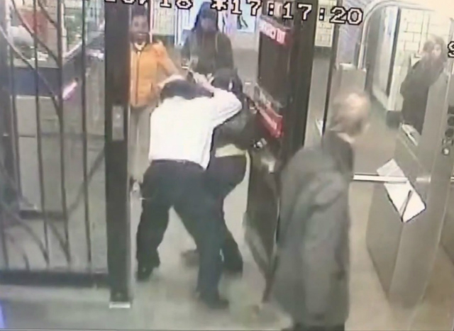 Brooklyn Teen Who Claims MTA Clerk Choked Her Suing For $2.5 Million