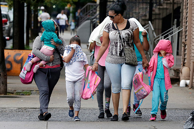 Cuomo, De Blasio Want Answers About Migrant Children In NY