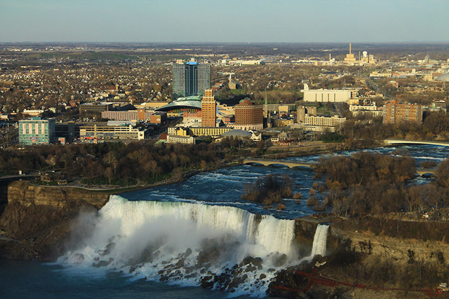 Brooklyn Man Accused Of Chopping Off Wife's Arm Arrested In Niagara Falls