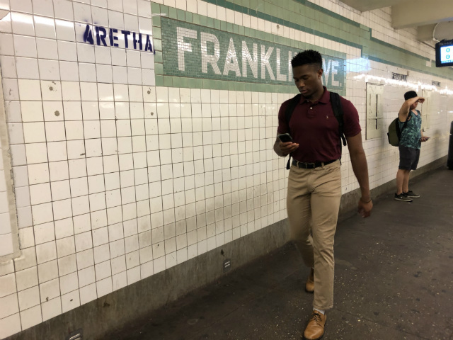 New Yorkers Put Up More Aretha Franklin Tributes In Subway Stations