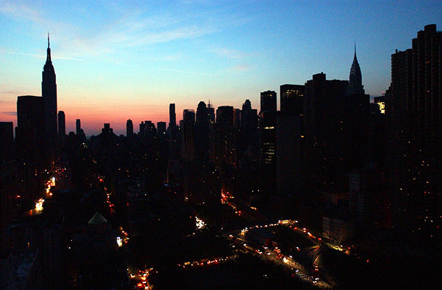 Photos: This Was New York City During The Massive 2003 Blackout
