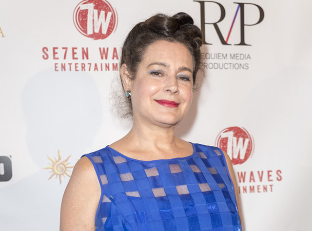 Actress Sean Young Wanted For Questioning In Queens Burglary