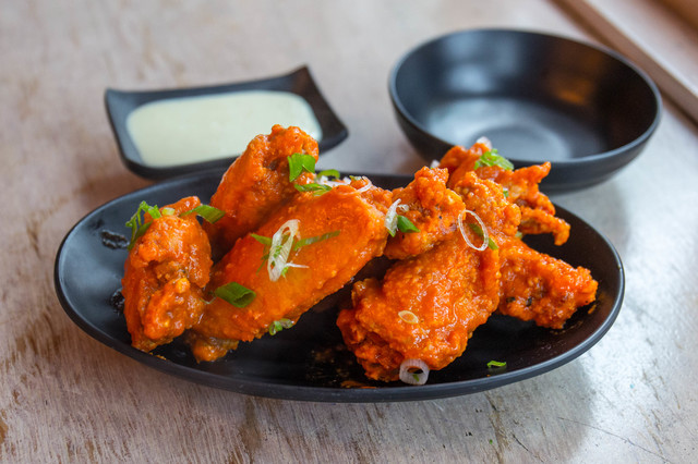 MoMo Chicken Shack Serving Up Decent Fried Bird In Bushwick