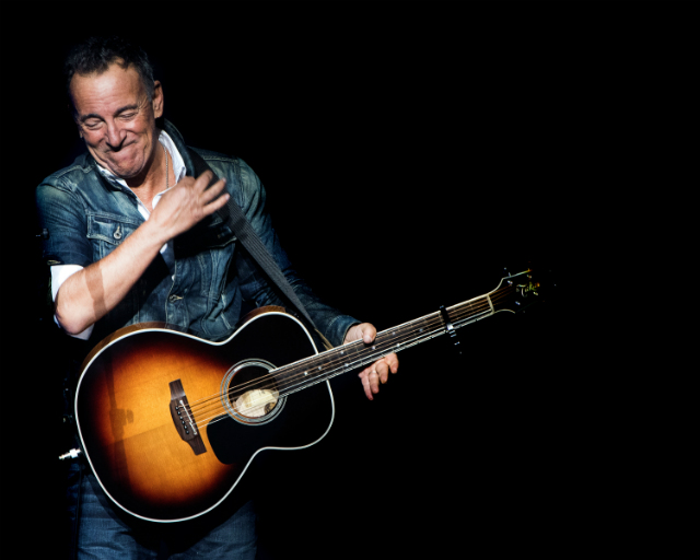 Watch The First Trailer For Netflix's 'Springsteen On Broadway'