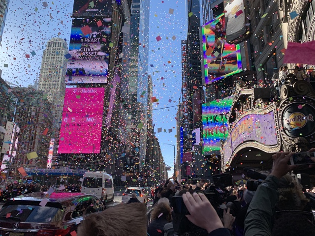 Gravity Works: Confetti Deemed Airworthy For Times Square New Year's Eve