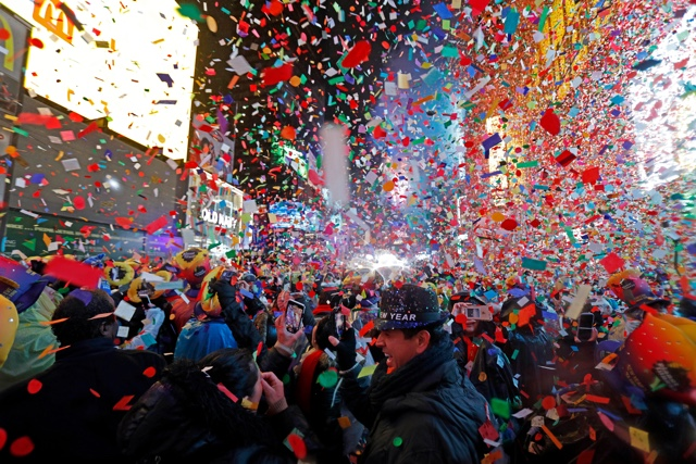 Photos: Rain Doesn't Stop 2019 New Year's Celebration In Times Square