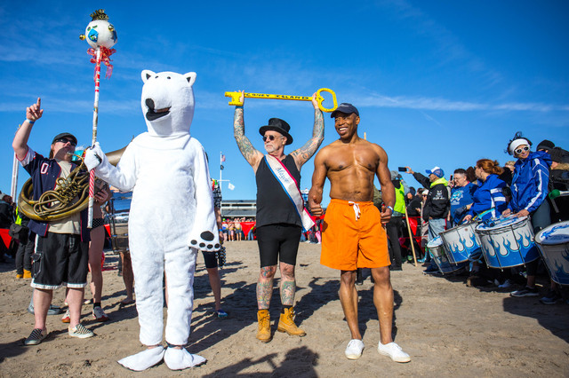 Photos: Huge New Year's Turnout For Coney Island Polar Bear Plunge