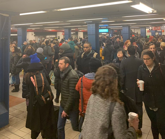 Garbage Fire On F Train Tracks Snarls Friday Morning Commute