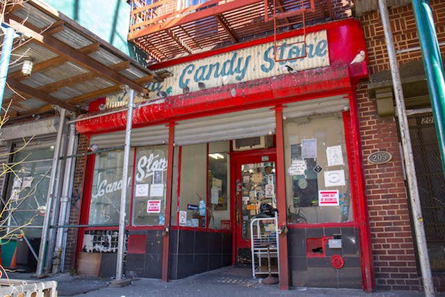 Alphabet City Mainstay Raul Candy Store Is Closing