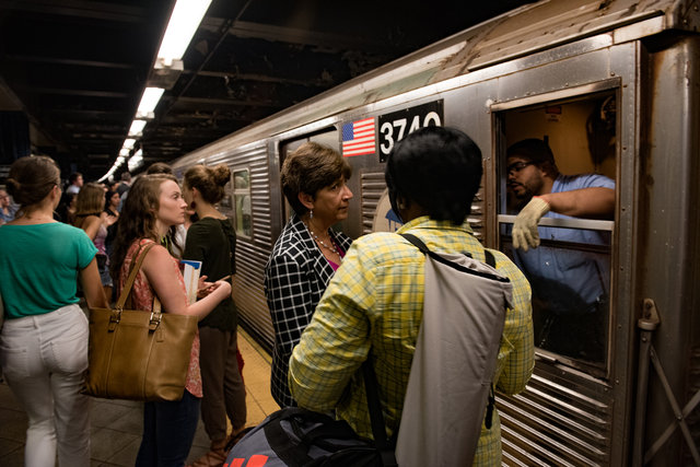I Kept A Diary Of My Winter Transit Commutes For a Week Straight