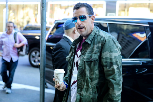 Adam Sandler To Host 'Saturday Night Live' For First Time Ever In May