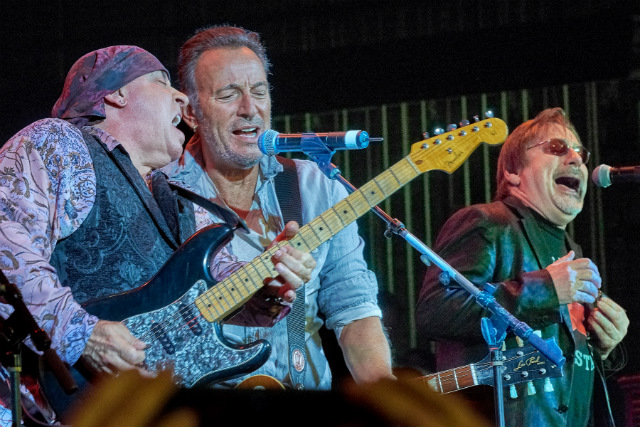 Bruce Springsteen, Steven Van Zandt & More Pay Tribute To Asbury Park In New Documentary