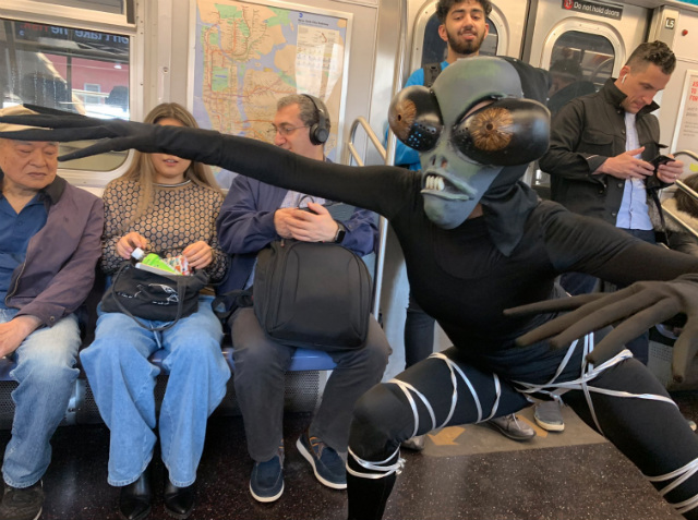 Video: New Yorkers Experience Just Another Totally Normal Day On The Subway...