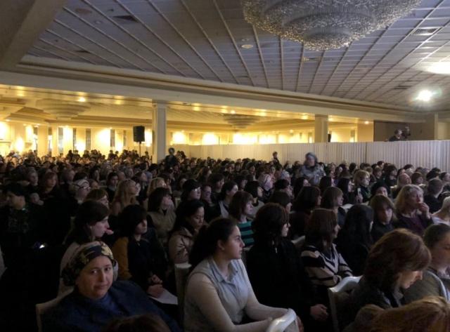 Rabbi At Anti-Vaccination Symposium Blames 'Illegals' For Spreading Disease