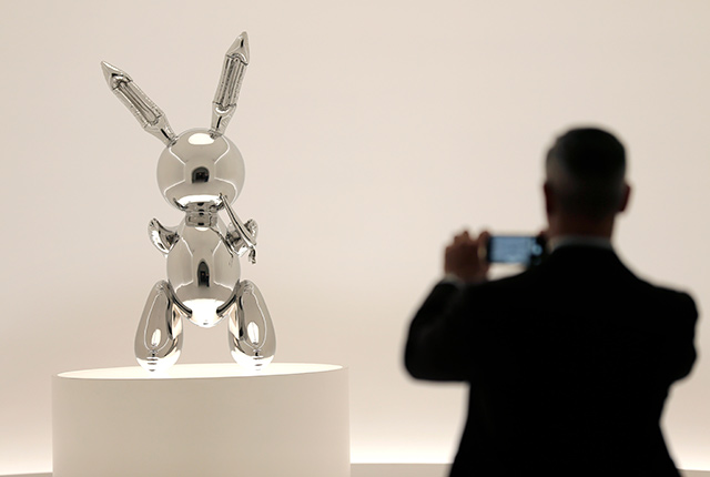 Jeff Koons's Rabbit Sells For $91 Million, Setting New Auction Record For Living Artists
