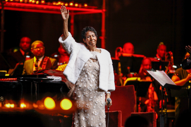 Beyonce honours Aretha Franklin at Detroit concert