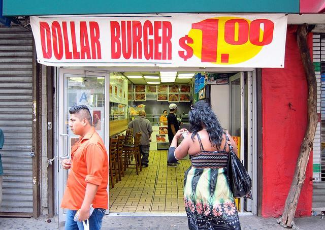 201208_dollarburger.jpg